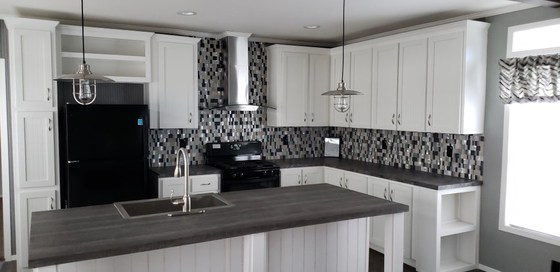 Encore Kitchen with FULL TILE BACKSPLASH!